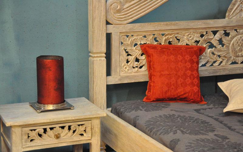 himmelbett aus holz mit kopfteil massivholz himmelbett nach mass hergestellt von malabar schweiz. Black Bedroom Furniture Sets. Home Design Ideas