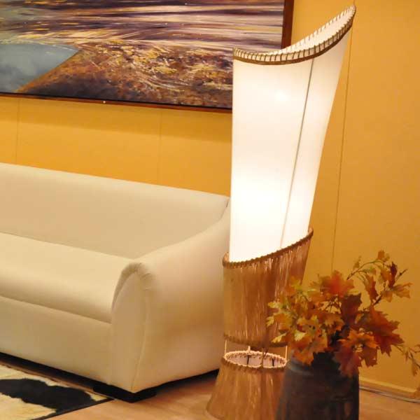 desing leuchten holzlampen und seidenlampen aus thailand stehlampen und deckenleuchten aus. Black Bedroom Furniture Sets. Home Design Ideas