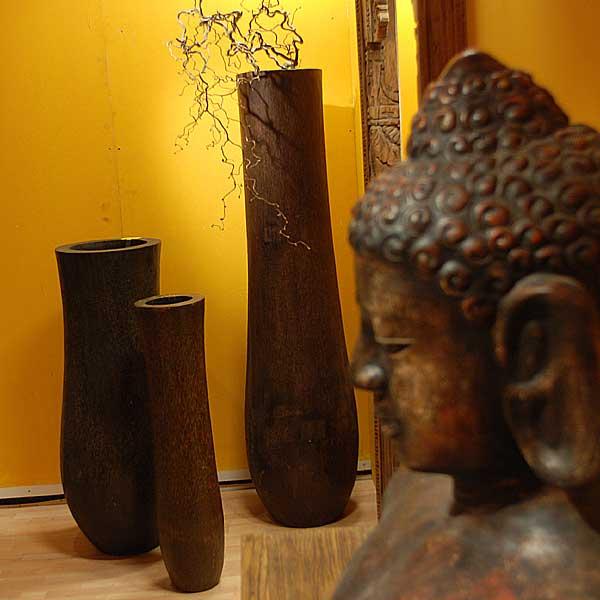 vasen aus ton in verschiedenen farben und gr ssen f r den individuellen deko stil. Black Bedroom Furniture Sets. Home Design Ideas
