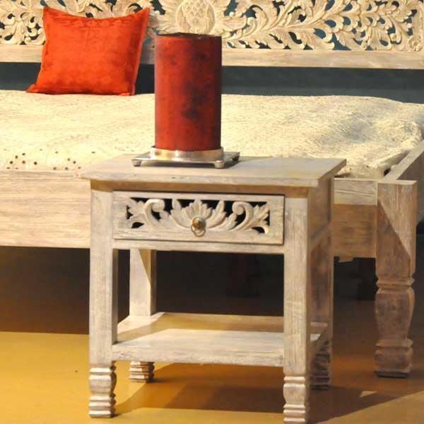 nachttische und kleinm bel aus holz passend zu holzbetten von malabar. Black Bedroom Furniture Sets. Home Design Ideas