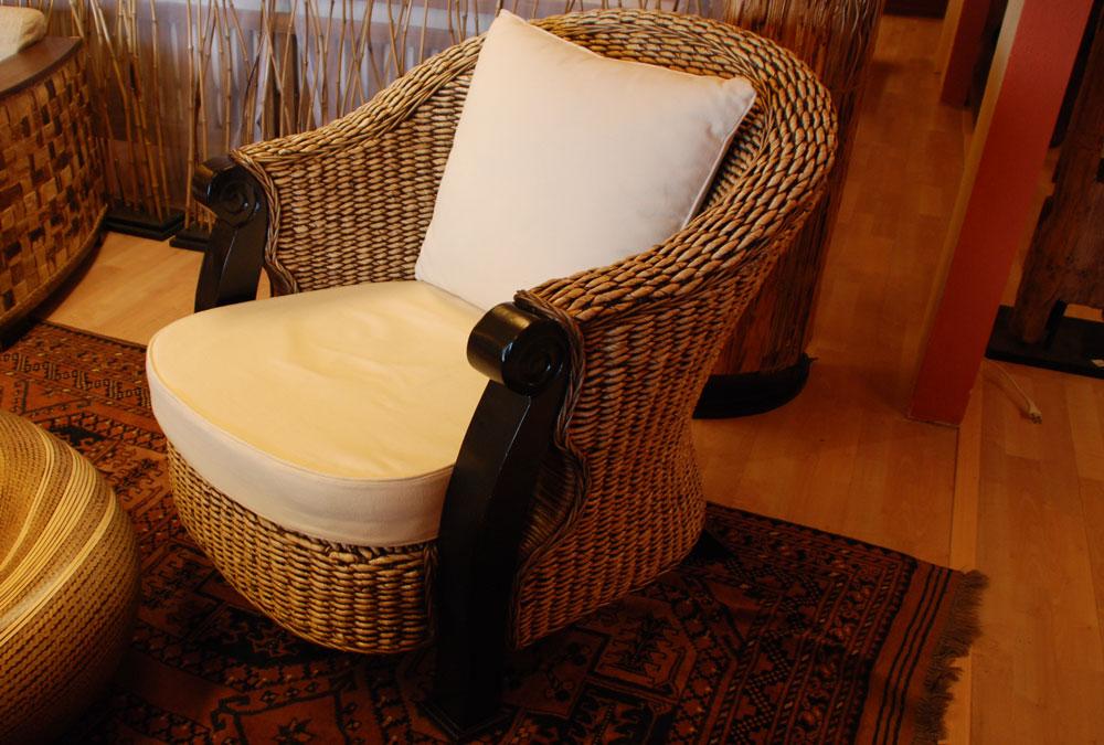 asiatische m bel schweiz. Black Bedroom Furniture Sets. Home Design Ideas